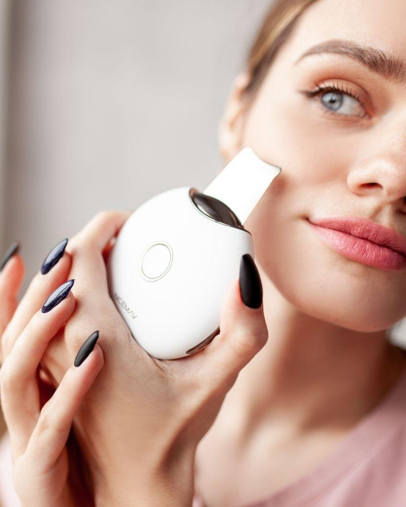 ультразвуковой скрабер для лица, ультразвуковая чистка лица, аппарат для ультразвуковой чистки лица, очищение лица ультразвуком, скрабер для лица, скрабер Miko 2