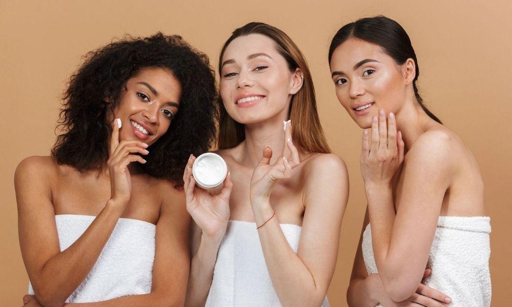Как ухаживать за кожей осенью: разбор по типам кожи